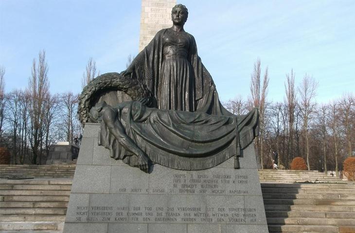 Германия, Берлин - Советский военный мемориал в Панкове