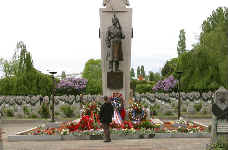 Чехия, Прага - Памятник советским воинам, павшим за свободу и незавимость Чехословакии