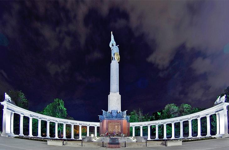 Австрия, Вена - Памятник воинам Советской Армии - освободителям Австрии