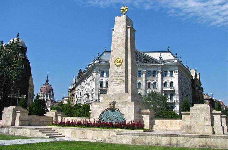 Венгрия, Будапешт - Мемориал советским воинам-освободителям - площадь Свободы